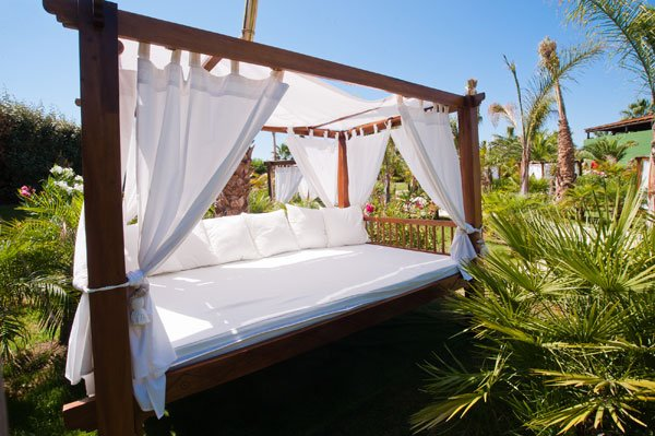 Camas balinesas sombrillas gacebos 12 23 camas for Camas balinesas para jardin
